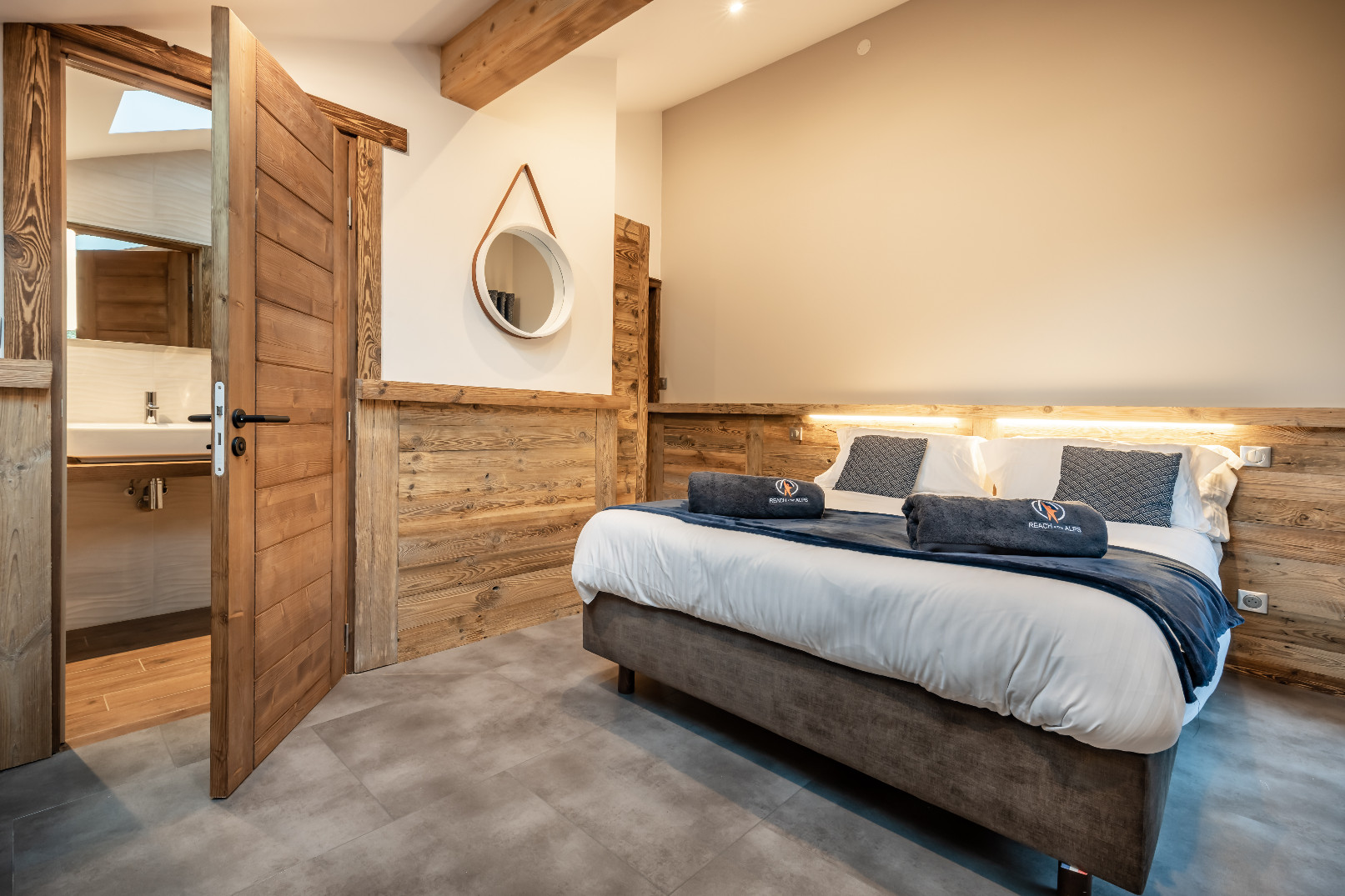 Ensuite Bedroom, Apartment Zolie